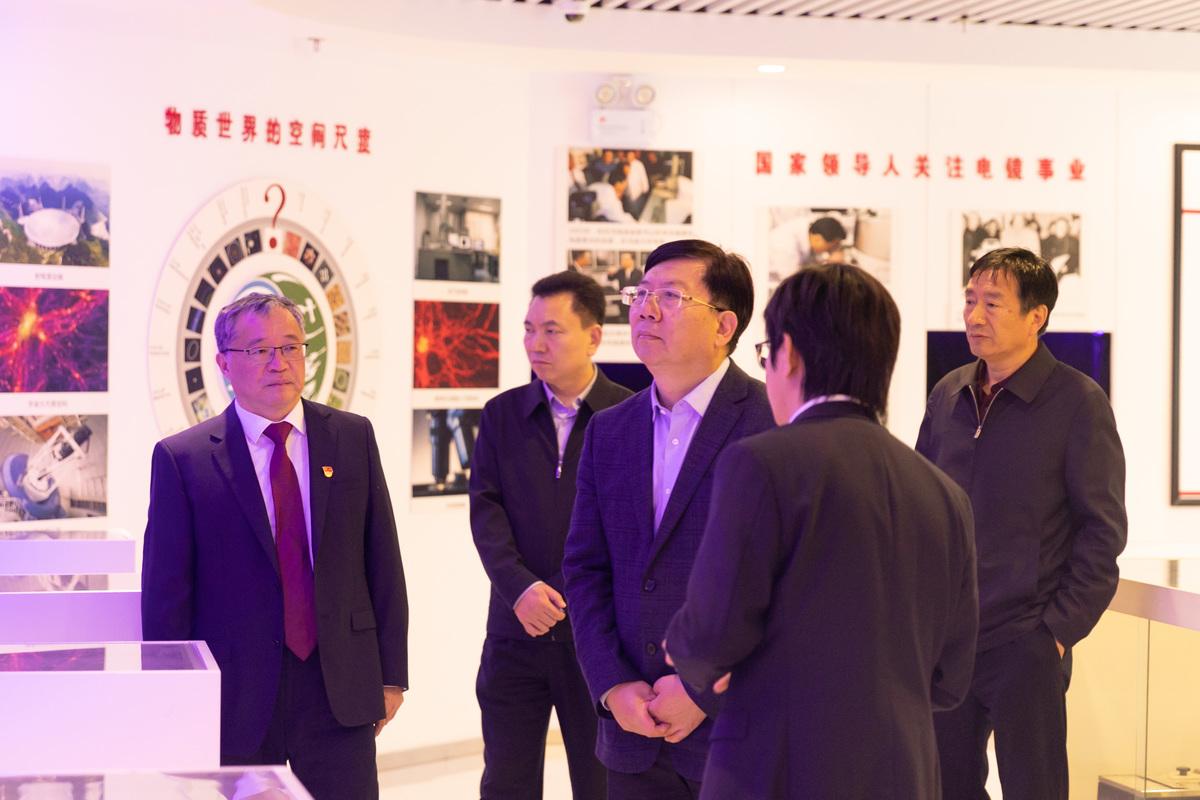 省厅调研组赴河南医药技师学院、河南化工技师学院调研