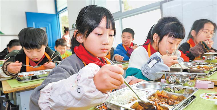 """鄭州市金水區在全省首推""""中央廚房+衛星廚房""""供餐模式"""