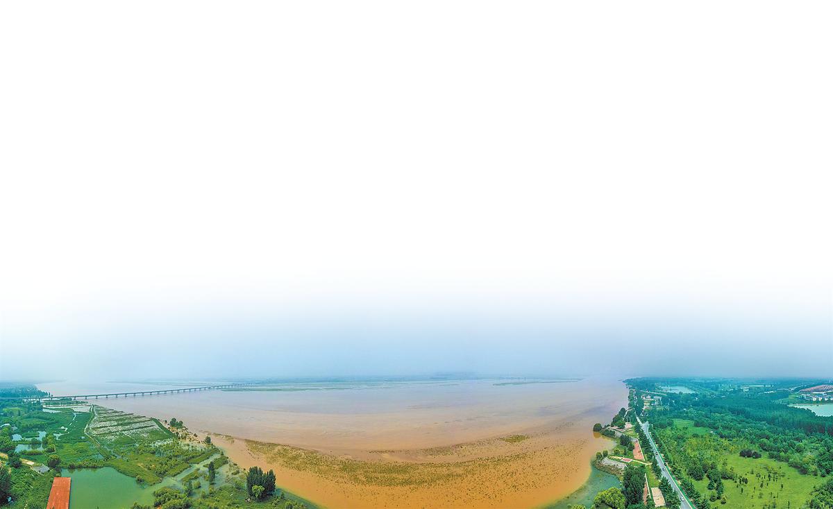 """小浪底水库下泄流量达5500立方米每秒 黄河防洪实战演练吹响""""冲锋号"""""""