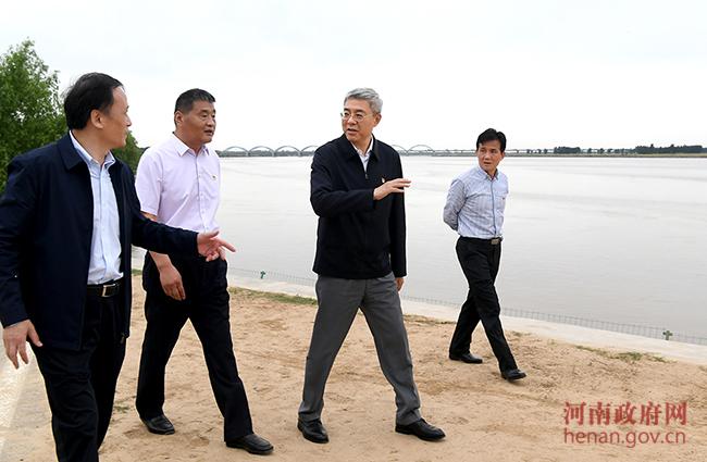 尹弘开展黄河巡河并检查防汛抗旱工作时强调 全力防汛备汛确保黄河安澜