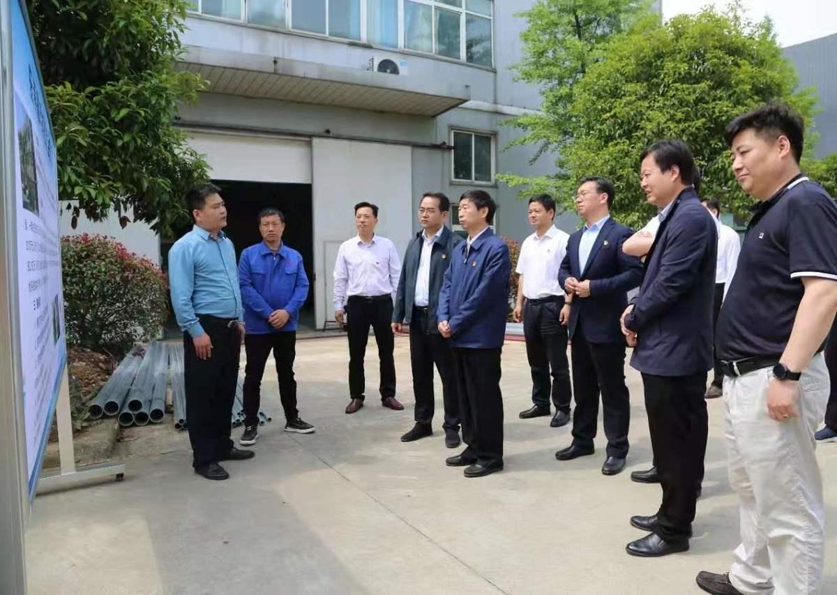 喬新江到信陽高新區調研重點項目建設和企業生產運營情況