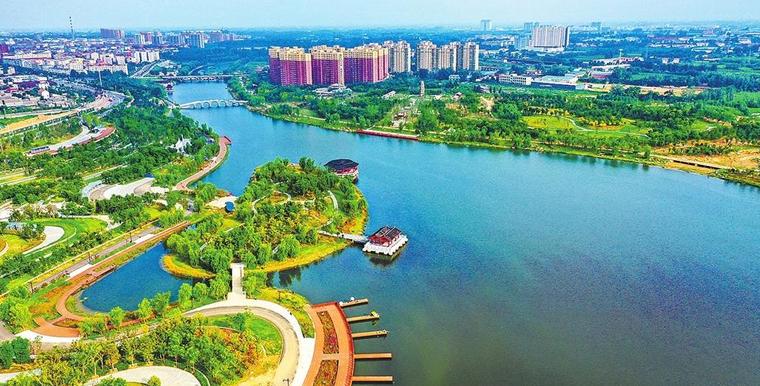 新郑双洎河畔绿树成荫、碧波荡漾