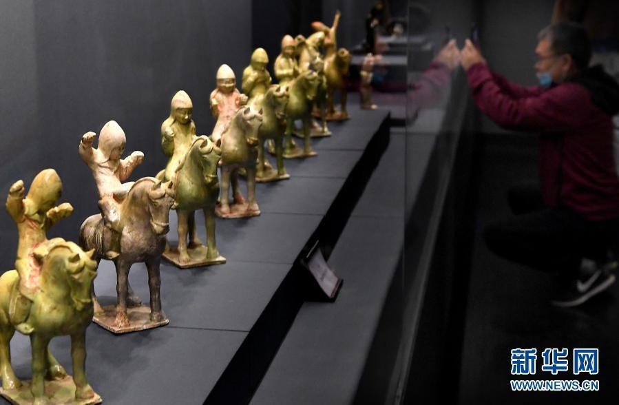 河南指南-百余件汉唐乐舞文物在郑州展出
