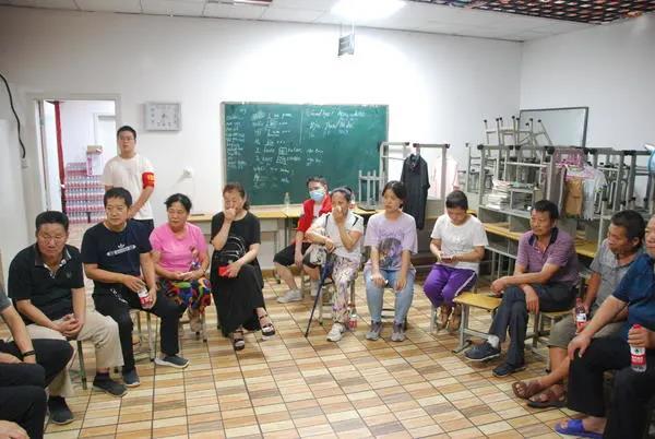 河南省健康科普专家进社区开展灾后心理干预