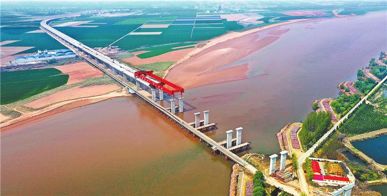 國道207孟州至偃師黃河大橋及連接線工程加緊建設