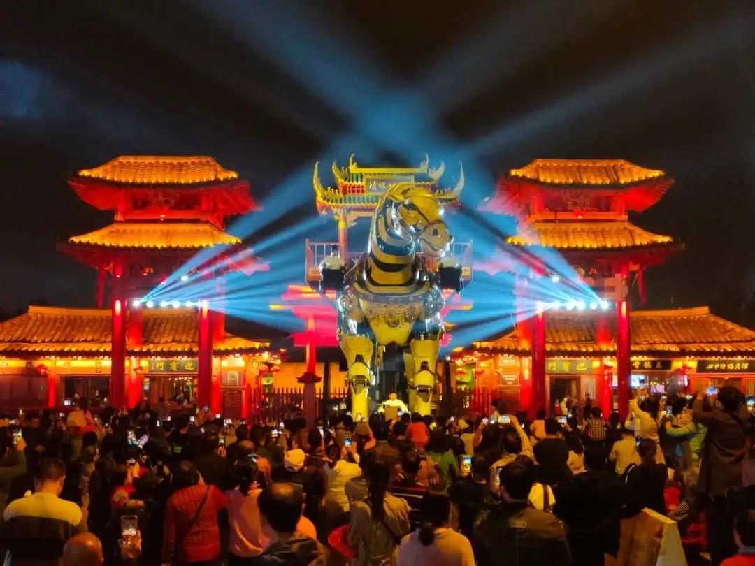 《中国文化报》聚焦开封夜游:夜晚美得像一首含蓄隽永的宋词
