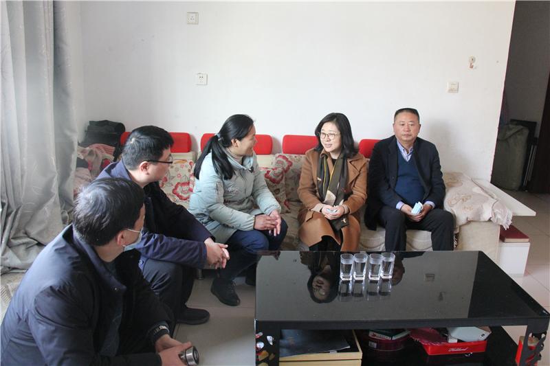 省教育厅副厅长毛杰赴邓州市和南召县调研扶贫帮扶工作并慰问特困教师