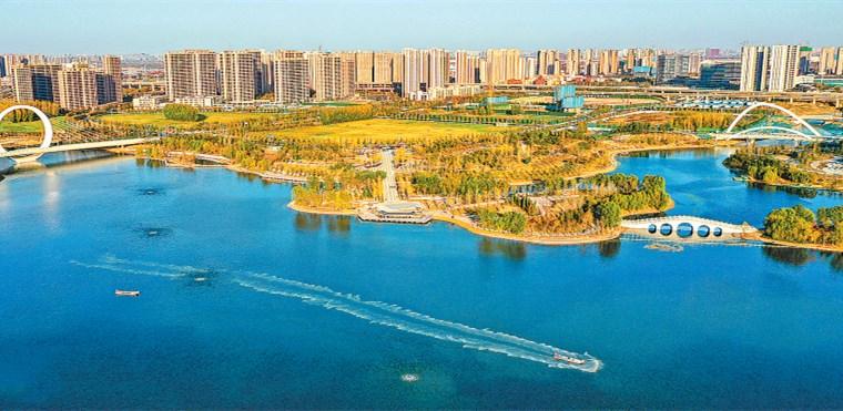 蝶湖景色美