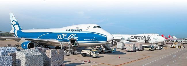 """一季度郑州机场旅客吞吐量同比增长49.5%,货邮吞吐量同比增长85% 客货运保持中部""""双第一"""""""