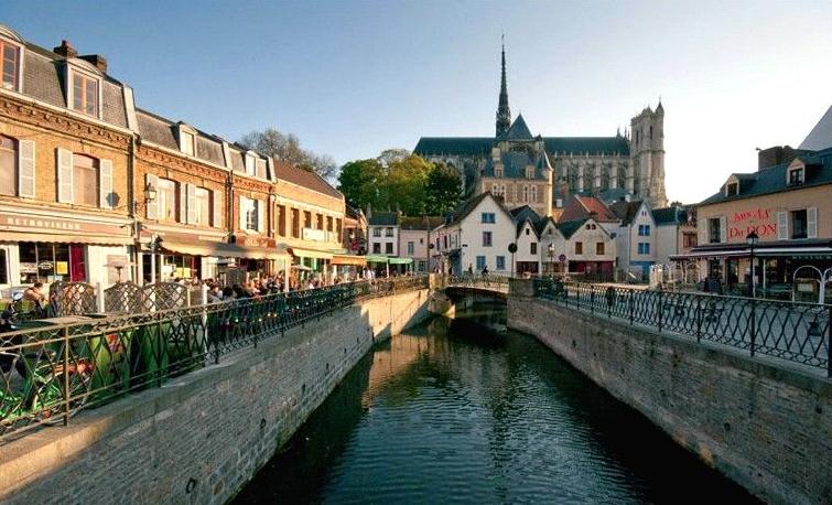 Amiens, a Starting Point Around the World