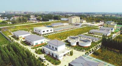 河南日报:保障农村饮水安全 全力助推脱贫攻坚