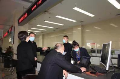 鹤壁市人防办领导深入一线看望慰问干部职工