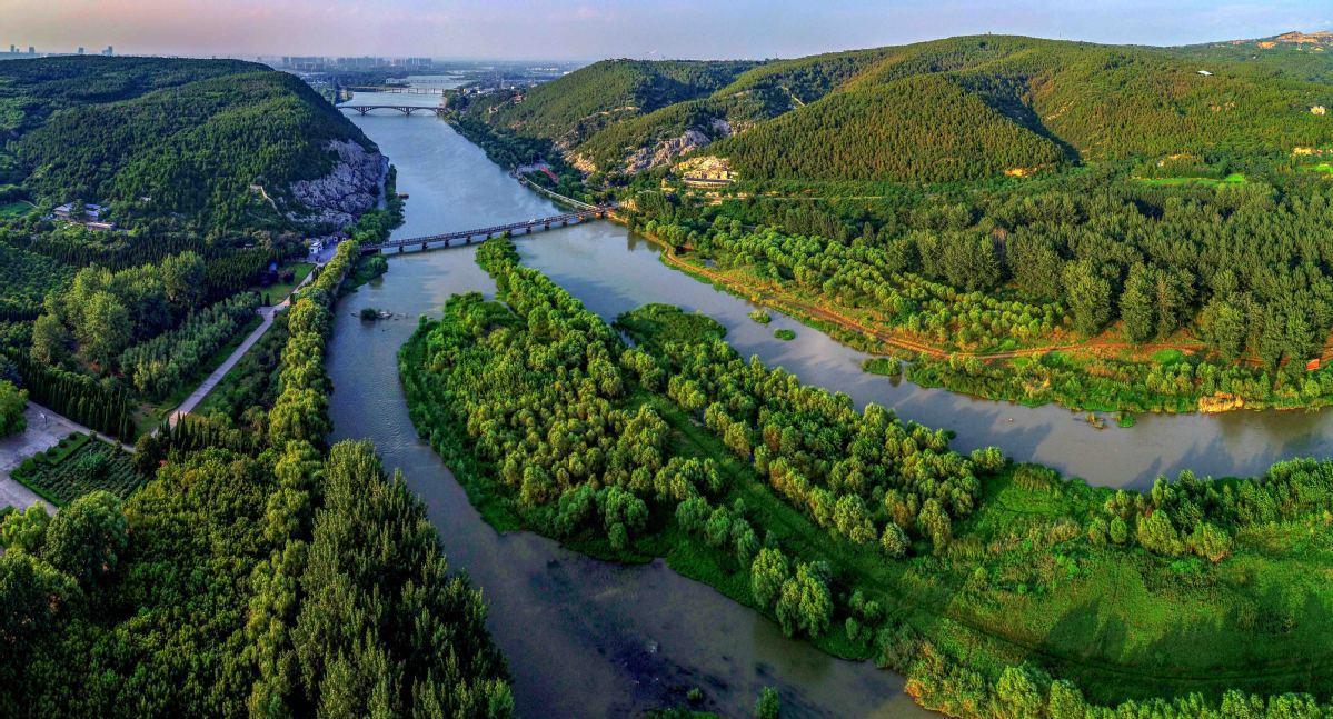 Yihe River in Luoyang
