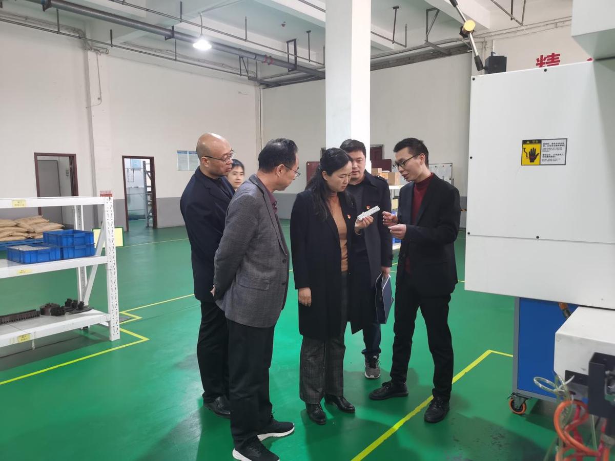 """漯河市科技局""""走亲连心""""  为企业办实事、解难题"""