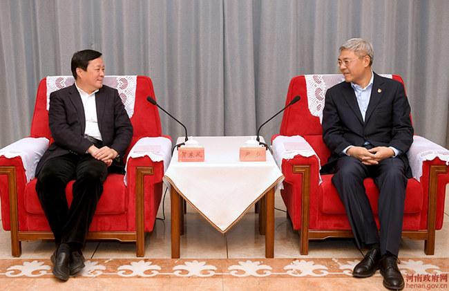 尹弘与中国商飞董事长贺东风会谈
