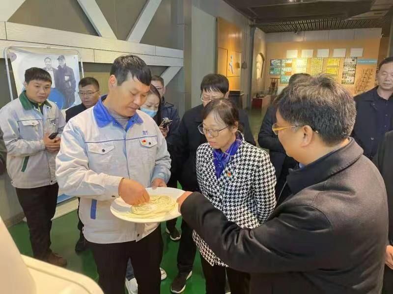 省发展改革委二级巡视员唐兴丽带队赴襄城县发展改革委参加会议、实地调研