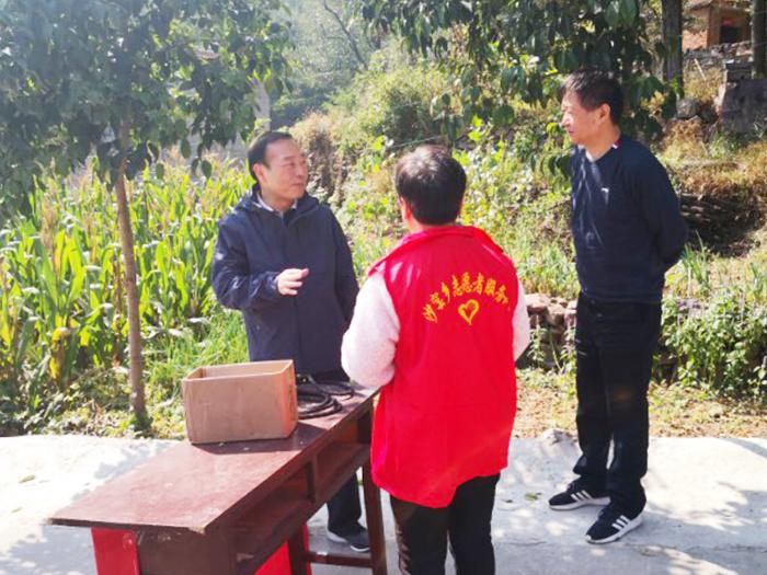 图/文:原永胜暗访林业安全生产和森林防火工作