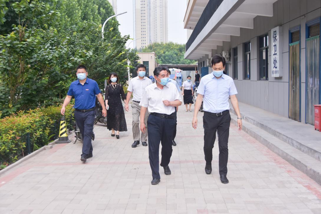 省教育廳副廳長陳垠亭到部分高校督導檢查 疫情防控和災后重建工作