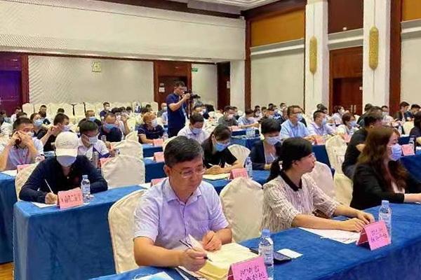 河南省代表团参加第十七届中国国际中小企业博览会