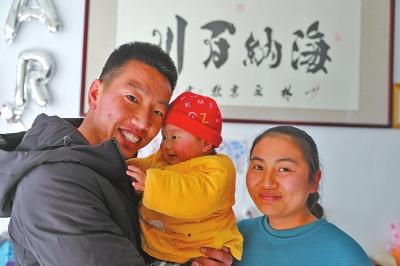 一个武术教练的首个异地春节他将和1328名外地学生在登封过大年