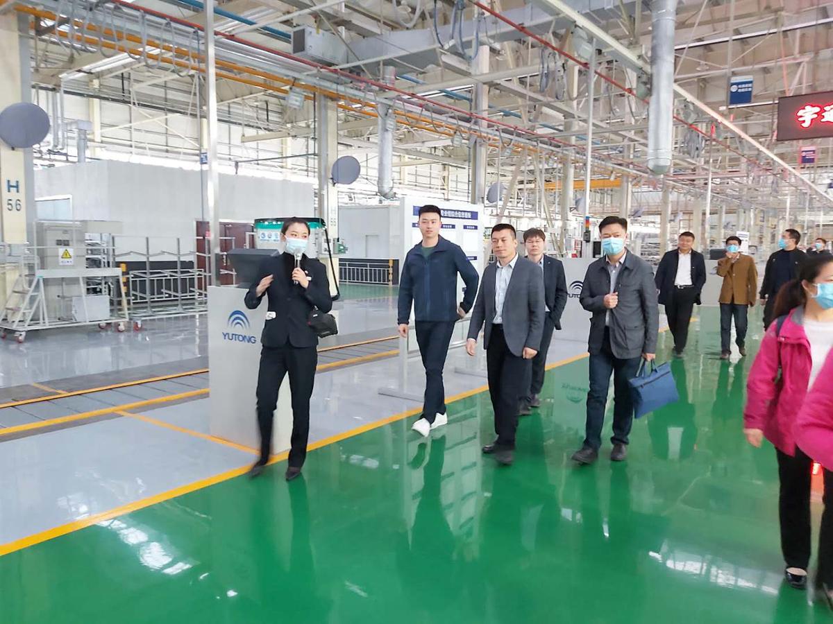 省科技厅青年工作委员会组织青年干部赴宇通客车参观学习