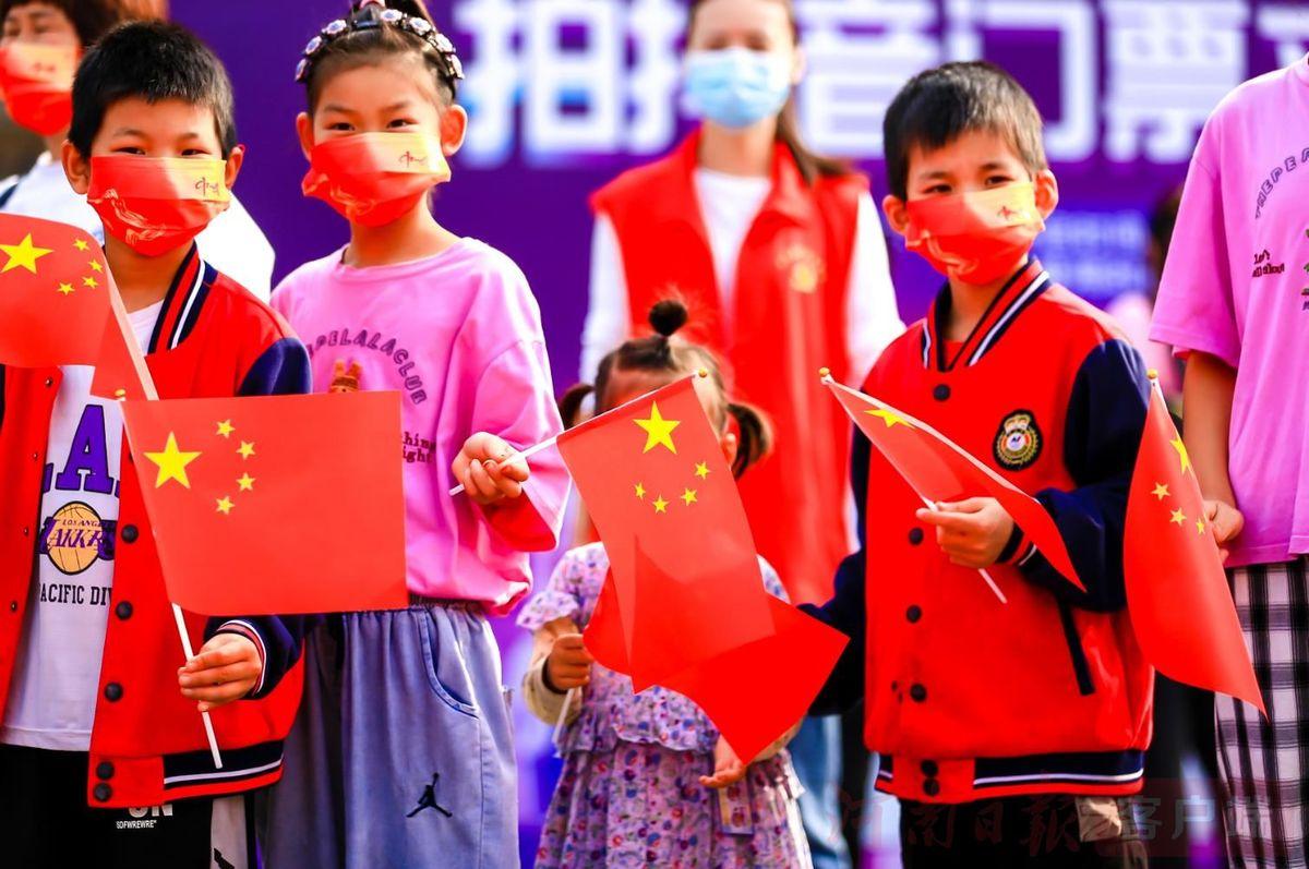 """如果""""老家河南""""有颜色,那一定是""""中国红"""""""