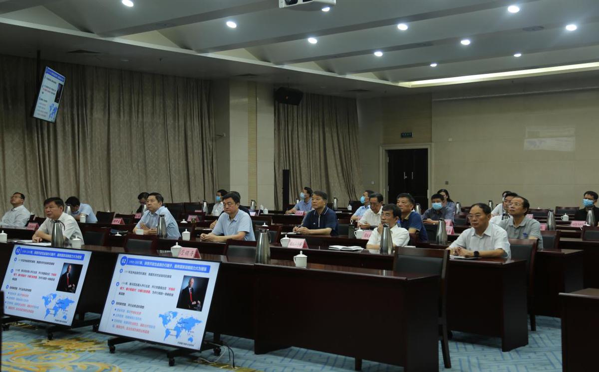 馬東祺為省政府參事作專題報告