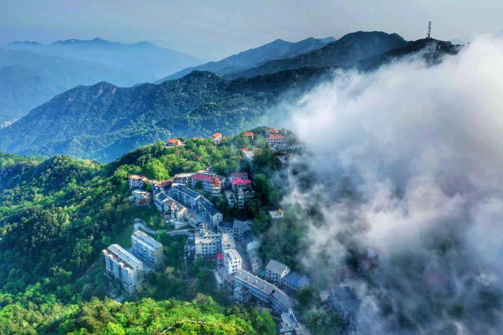 鸡公山第五届避暑文化季暨坐着高铁游大别山活动即将开启