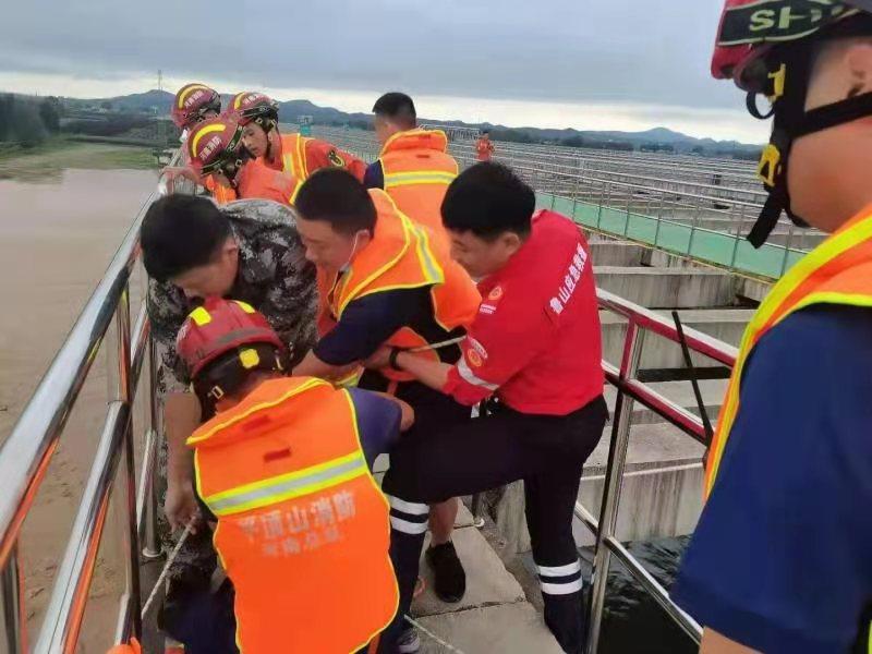 鲁山县应急管理局:生命至上 紧急救援