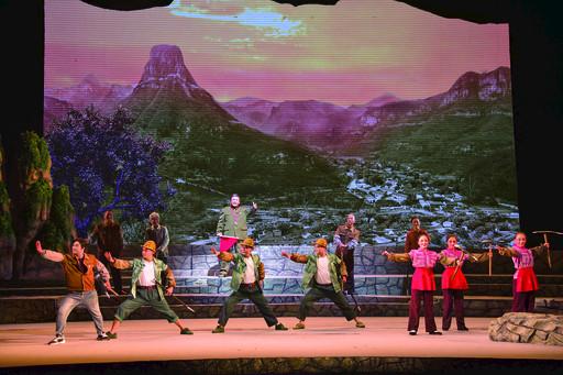 更有时代气息更能鼓舞士气更受观众欢迎 豫剧现代戏《大石岩》首演