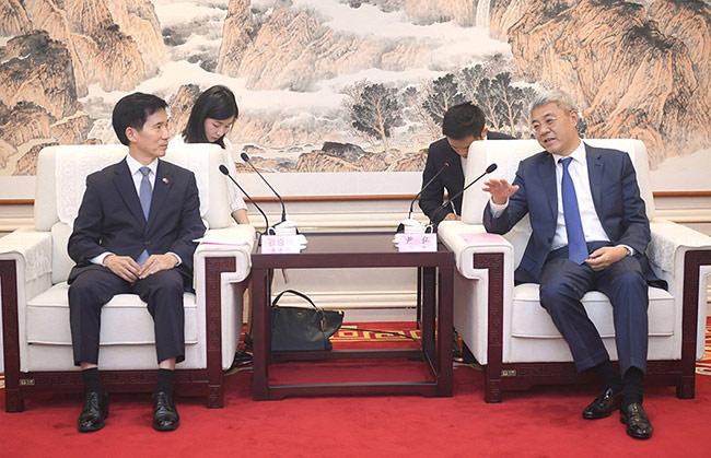 尹弘會見韓國駐武漢總領事姜承錫(圖片)