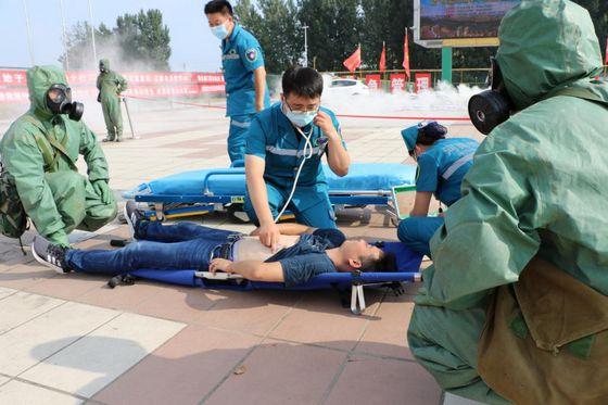 南阳市唐河县人防防化救援专业队参与综合应急演练