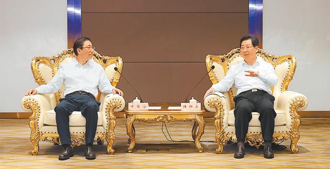 楼阳生与国家电网公司董事长辛保安举行工作会谈 省政府与国家电网公司签署战略合作备忘录 王凯出席