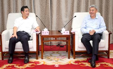 尹弘与海康威视董事长陈宗年会谈