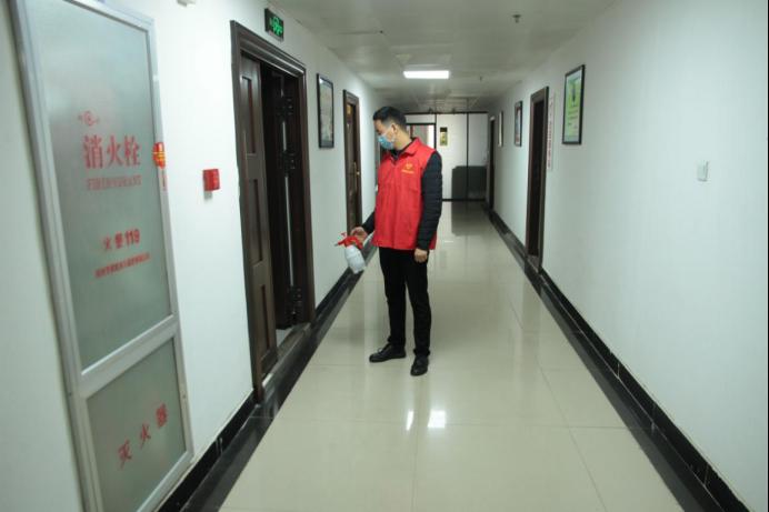 疫不容辞 非党勇士展风采——驻马店市审计局刘改革家庭抗疫故事
